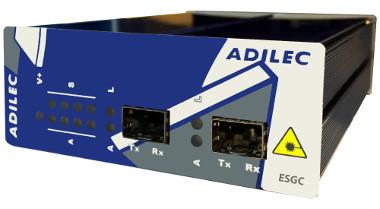 Switch Ethernet a Gigabit con cuatro puertos RJ45 y dos puertos SFP
